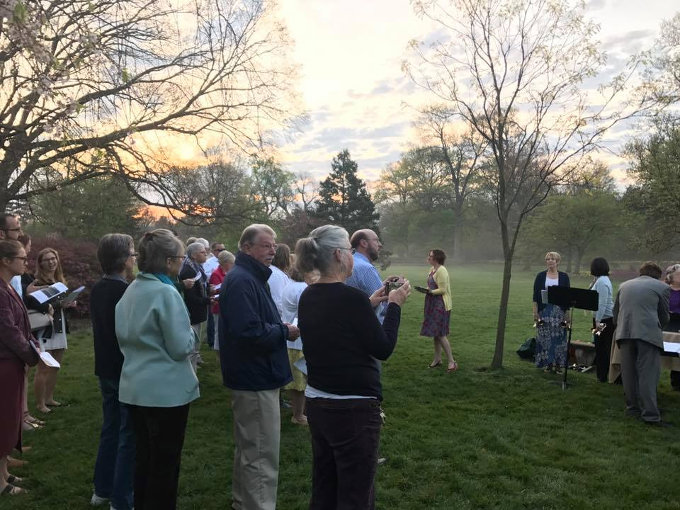 Easter Sunrise Service in Sherwood Gardens